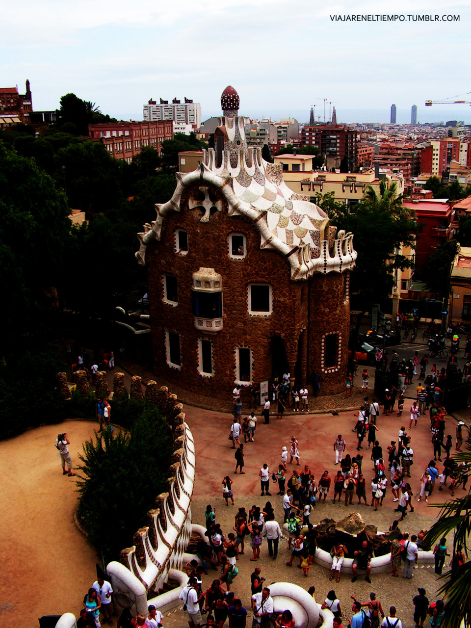ilovespain:  Parc Güell BARCELONA (Submitted by viajareneltiempo)
