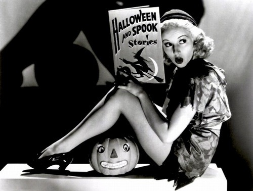Betty Grable Halloween pinup