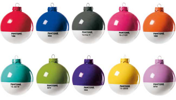 curiositycounts: Pantone Christmas ornaments for an extra-designy holiday