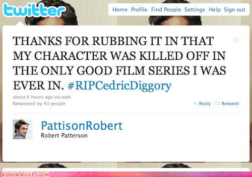 isingsweetly:  No one hates his life more than Robert Pattinson does. :D  Poor thing. :(