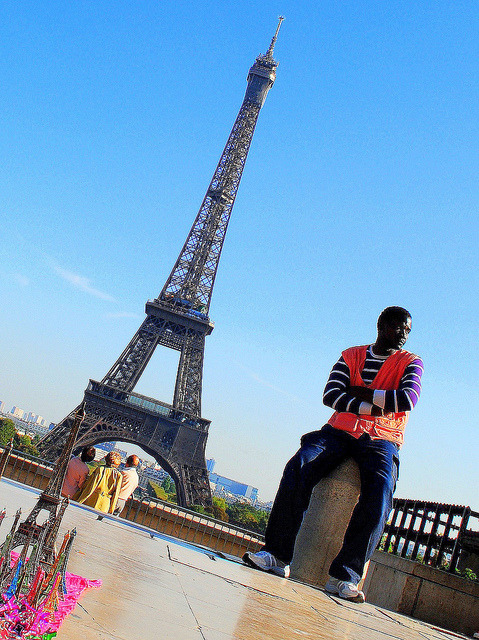 salesman of Eiffel towers by mujepa on Flickr.