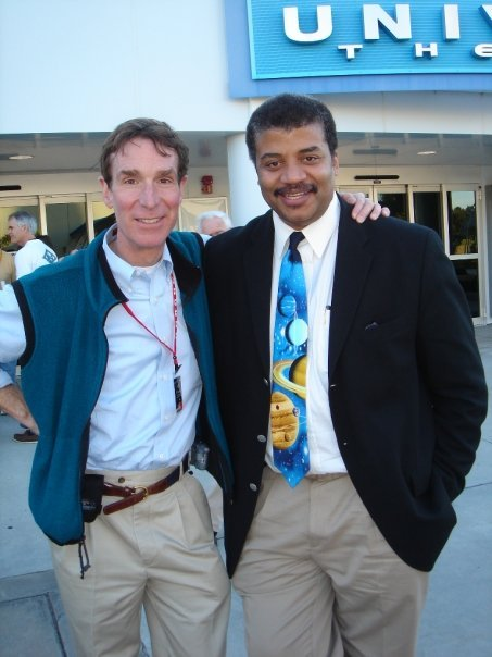 OH MY GOD A BROMANCE OF SCIENCE POST.