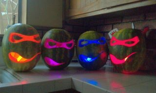These Watermelons are better than any pumpkin you'll ever carve! via : Aur-Aëlion Israel