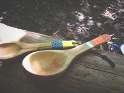Birch spoon and ladle in the field.