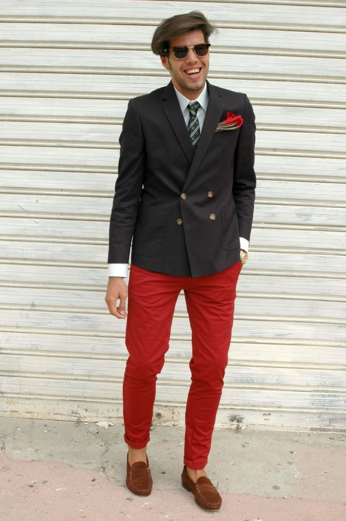 MENSWEAR |    Great colour combination and overall look, despite the rather short jacket. The double breasted blazer is certainly back in full effect, also, what's up with the Donald Trump'esque hair styling. That's just not okay. fashionizfree:  http://izandrew.blogspot.com/