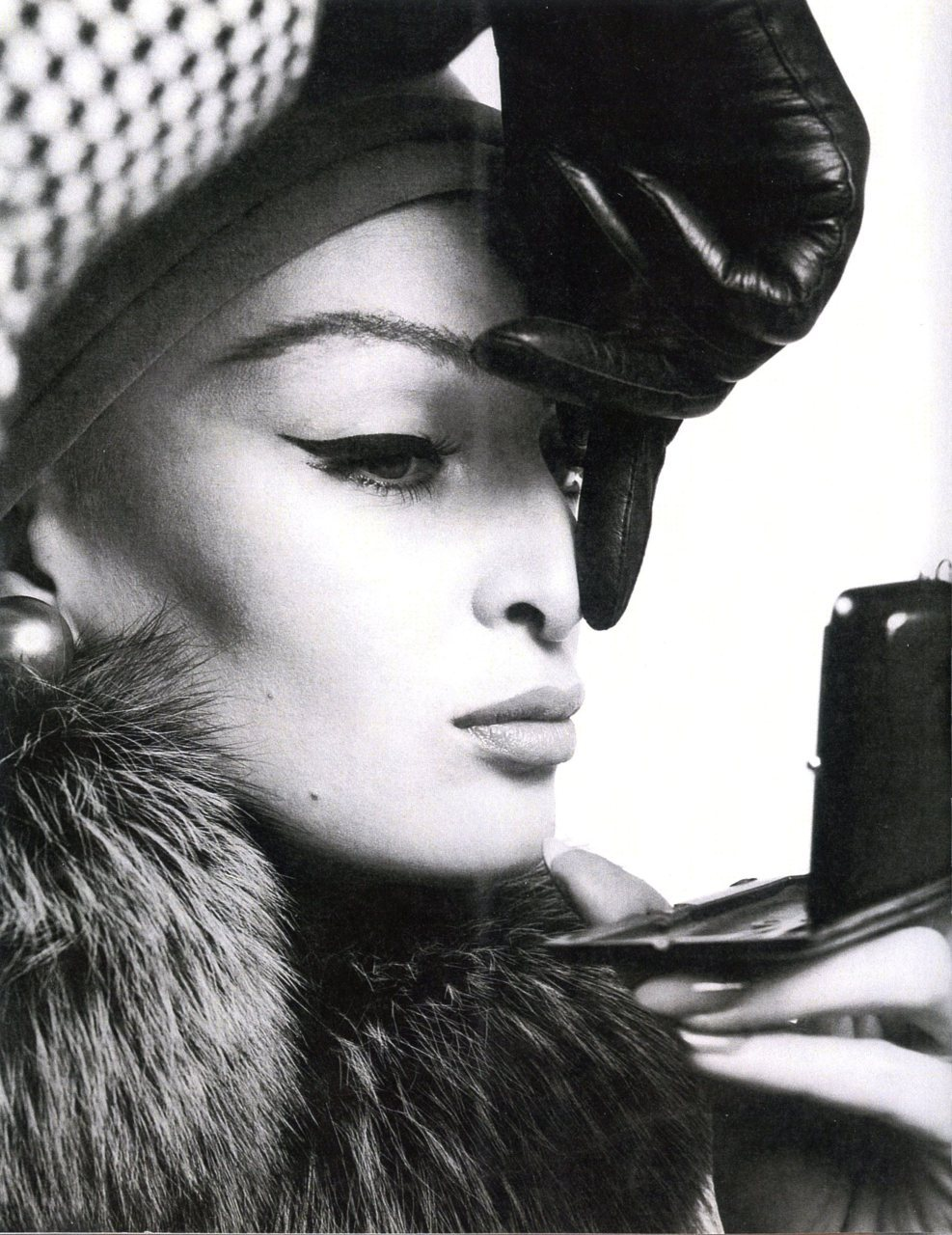 liquid liner & leather gloves, what more does one need? (Avedon, 1962)