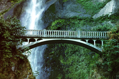 Benson Footbridge, Multnomah Falls, Oregon©  Thad Roan - Bridgepix