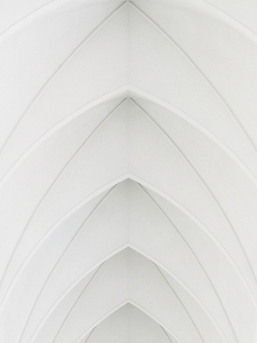 mini-mal-me:  Archs of Hallgrimskirkja (by m_a_n_o_l_o)