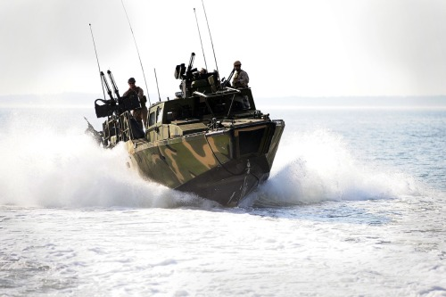 Riverine command boat
