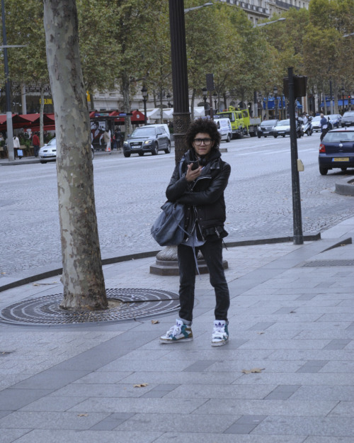 street fashion en Paris, France.