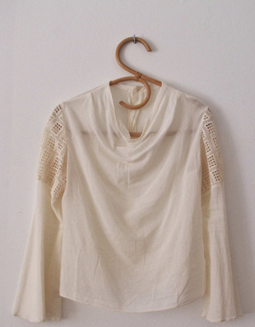Cool 70s crochet insert bell sleeve top