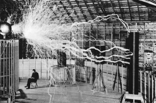 quantumaniac:  Nikola Tesla at Work.