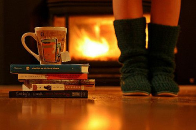 Books and tea get me through the winter. moncheriiee:  A very appropriate picture for this time of year ;)