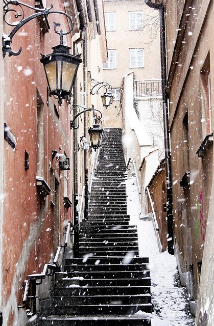 Snowy streets of Warsaw… Romantic!