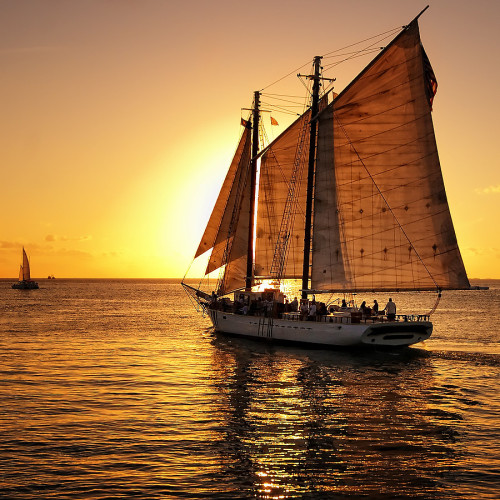 Sailing into the sunset (via Edgar Barany: Sailboats , boat, sunset uploaded by peasant)
