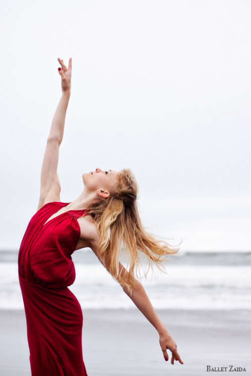 Dancer - Alanna Endahl. Location - Ocean Beach. San Francisco, California. To see more photos, check out Ballet Zaida on Facebook. © 2011 Oliver Endahl