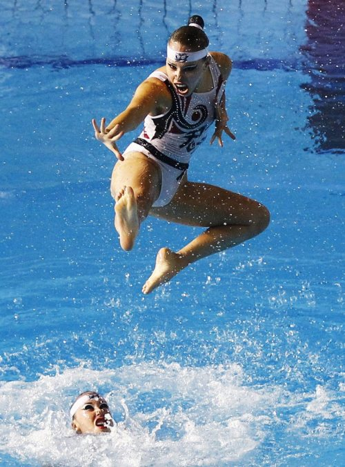 nationalpostsports:  Mexico's synchronized swimming team performs during the free routine finals at the Pan American Games in Guadalajara, on Friday. (Photo by Jorge Silva/Reuters)