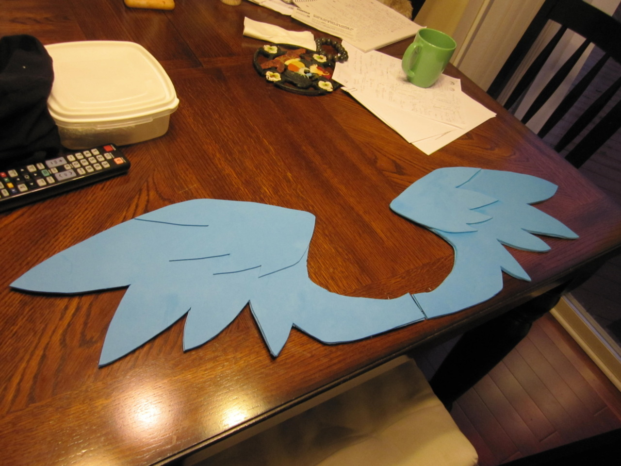 i made pony winnggss today! my first endeavor into making wings pahaha. not finished obviously but getting there. rainbow dash for tobie, then gonna work on fluttershy for megan tomorroowwww :3