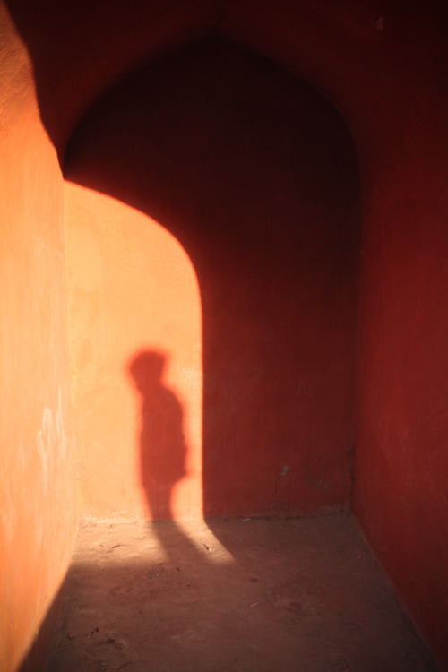 """boy in the shadows."" This is a great blog."