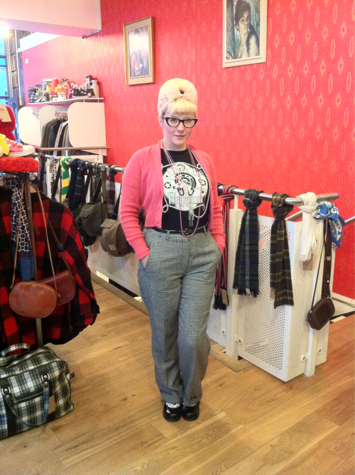 Yesterdays outfit: Wearing: vintage trousers from mighty baby, t shirt from smith street tattoo studio, Brooklyn, vintage belt, pop boutique cardigan, skeleton necklace from accessorise, vintage beads, shoes from bodyline in Tokyo.  Hair: beehive with chiffon spotty scarf