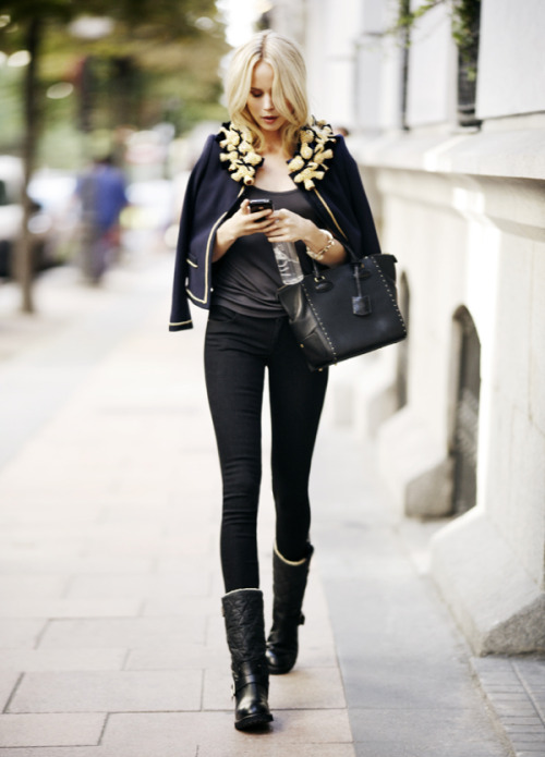Ryzenberg On: Street Style Snapshots — Paris Fashion Week S/S 2012 Tres chic et J'adore…C'st magnifique