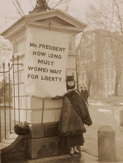useturnouts:  Women picketed the White House in 1917 to try to get President Wilson to support woman suffrage. This is one of my favorite photos of the picketers.
