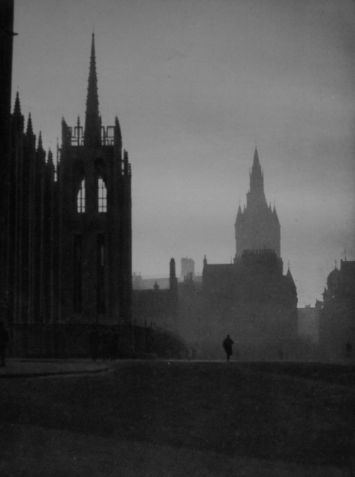 Marischal College in Aberdeen, Scotland, 1926