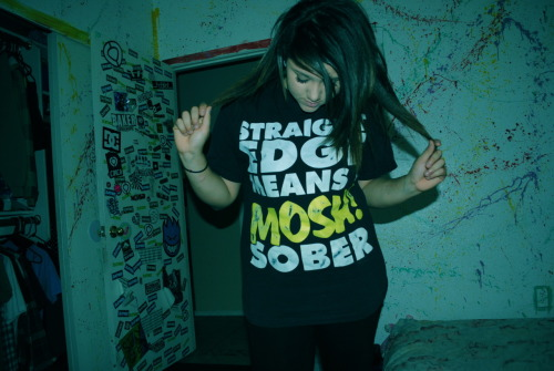 fuckyeahsxe:  Straight edge means I mosh sober. Submitted by makylasanchez