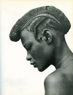 fernsandmoss:  image from Parures Africaines by Denise Paulme & Jacques Brosse