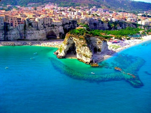 | ♕ |  Pizzo - Spectacular Calabrian Coast in Southern Italy from © visititaly.it | posted by ysvoice