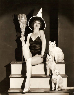 vintagegal:  Clara Bow