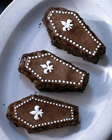 mmmmmMMMmmmm Chocolate Brownie … Coffins! The perfect Hallowe'en treat for your little ghouls! Make!!