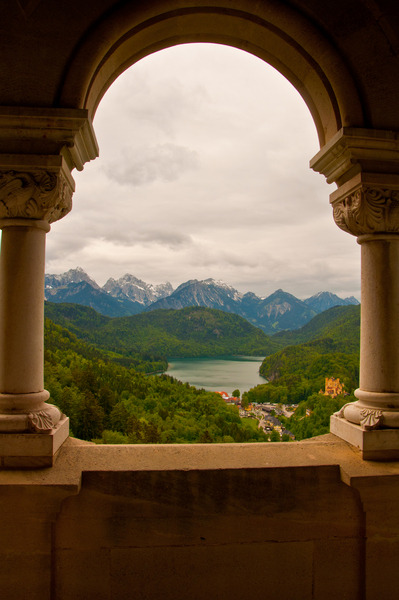 Ludwig's Balcony, inside Neuschwanstein Castle, Bavaria, Germany It looks like a fairy tale (via photo of domek99 - CHIP Photo World)