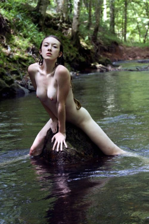 nymphforest:  toutdroitaller:  Blaze; photo by Overlook Photography  (via imgTumble)