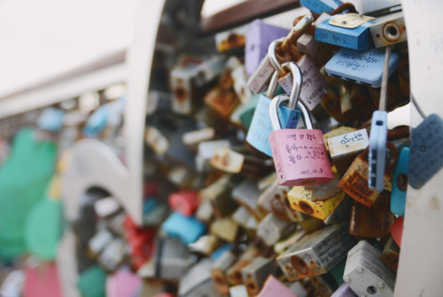 #408: Love locks in Korea