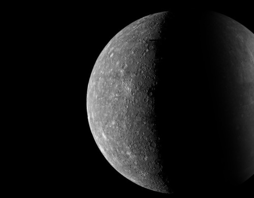 digital photomosaics of Mercury were made from images transmitted to Earth during the first encounter of Mariner 10 on March 29, 1974