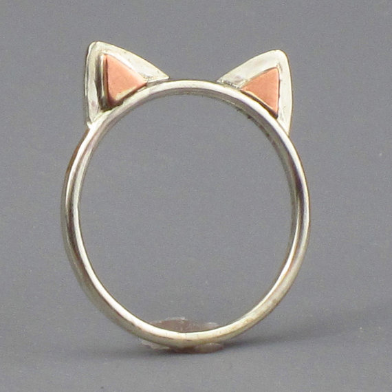 ichlieberings:  (via Kitty Cat Ears Ring Sterling Silver Free by FancyBrandRings) kitty kitty!