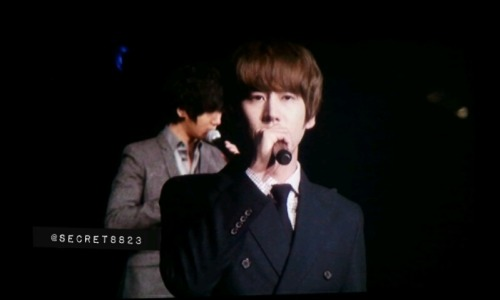 kyuapple:  *Sobbbbb* He's perfect.  O____O Why isn't he mine DX T-T He's even a gamer… he'd be perfect…. XD