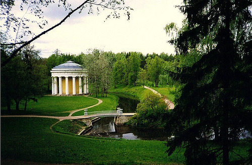 Gardens of Pavlovsk Palace, Russia (by chris@durham)