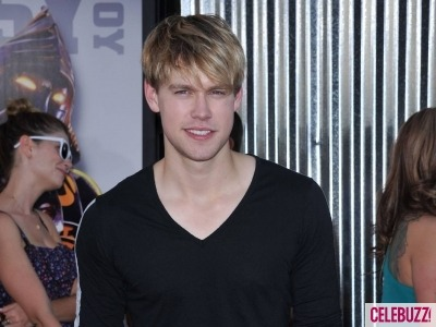 It's official! Chord Overstreet will be reprising his role as Sam Evans on Glee in December. YAY!