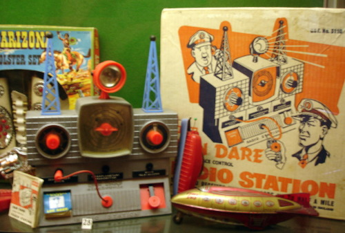 'Dan Dare Radio Station on exhibit in Edinburgh's Museum of Childhood, back in August 2008. I've a sneaking suspicion this may be a repost, but to be honest I haven't the foggiest. Apologies for the blurring, too - these were the days before I figured out how to use my camera's focus properly.' u_u