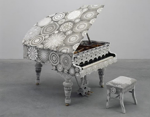 julienfoulatier:  Design by Joana Vasconcelos.  WANT. OMG SOMEONE BUY ME THISSSSSS