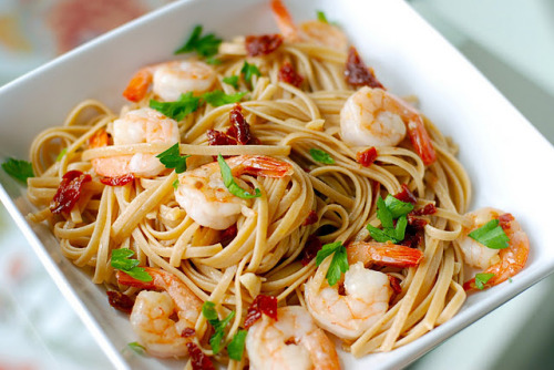 boyfriendreplacement:  Shrimp Linguini with Garlic and Sun-Dried Tomatoes Recipe