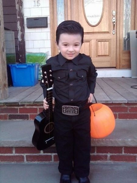 Trick or Treat or … sing some Cash? imagevia