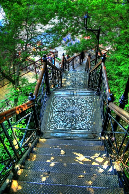 Art Nouveau staircase in Montmartre, Paris, France (via Awesome Photography - Places)