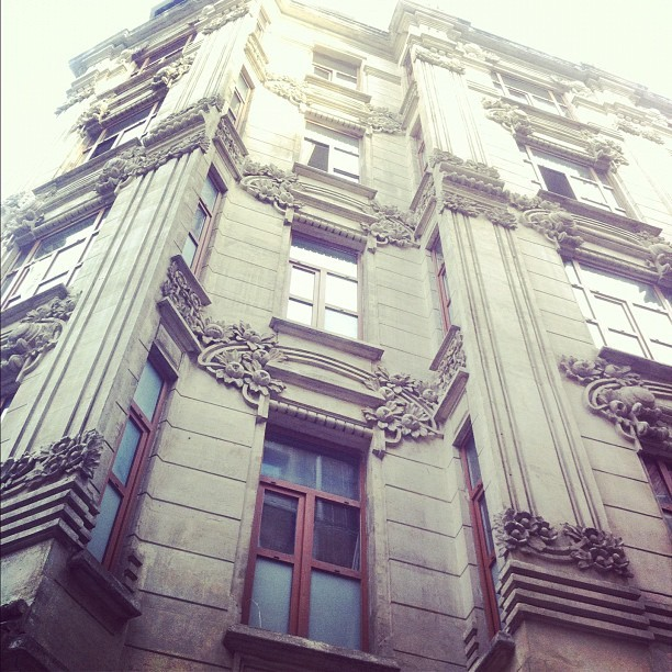 #artnouveau ölmedi #beyoglu'nda yaşıyor #istanbul #architecture #streetphotography #igdaily #instagramers #instamood #instagood #igers #iphoneonly #iphone4 #instadaily #instagramhub #igersturkey #igersistanbul #ig #instago #webstagram #theinstagrampic (Taken with instagram)