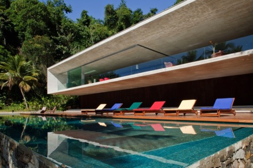 "theabsolution:  ""Casa Paraty"" (Brazil) by Marcio Kogan"