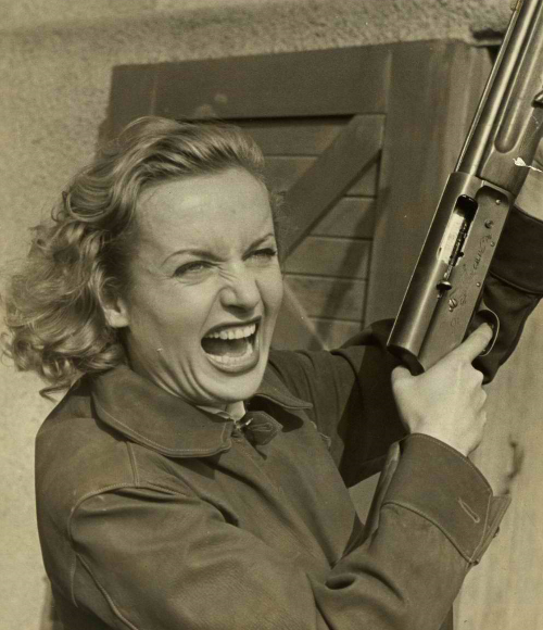 blackandwtf:  Date unknown (bbook)  A woman ready for war!