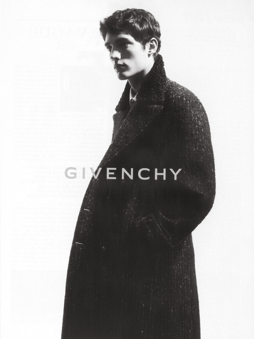 hemingwayjawline:  Givenchy | Fall 2007