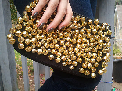 Christian Louboutin Inspired Purse | Carry On… Carry On… Speaking of Christmas, how about this jingly purse for your holiday parties!? I'm a sucker for anything shiny (see: all previous posts!) and add noise and I'm set. As Amanda says in her tutorial, this is a made to order piece and is probably insanely expensive, but the DIY version is anything but. Perfect to add a bit of glitz to your LBD.